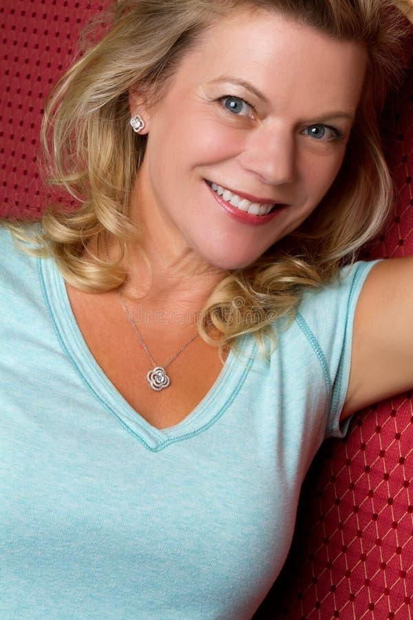 Glimlachende Vrouw stock fotografie