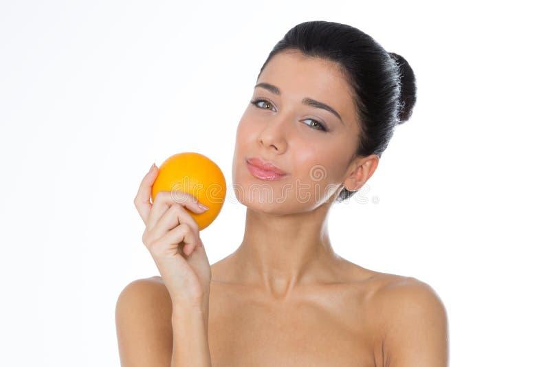 Glimlachende vrouw met fruit royalty-vrije stock afbeeldingen