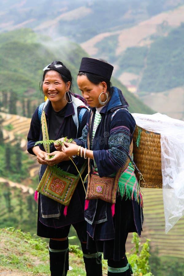 Glimlachende vrouwen Hmong royalty-vrije stock afbeeldingen