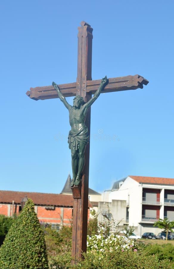 Glina rzeźbił statuę krzyżowanie Jezus obraz royalty free