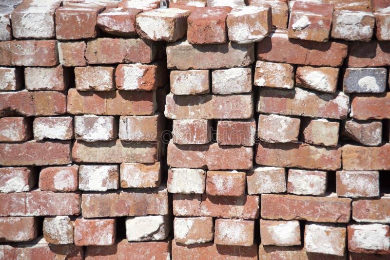 Gliniane cegły dla projektów budowlanych obrazy stock