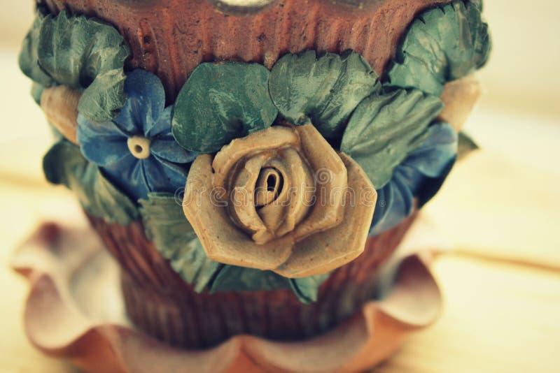 Gliniany kwiatu garnek fotografia stock