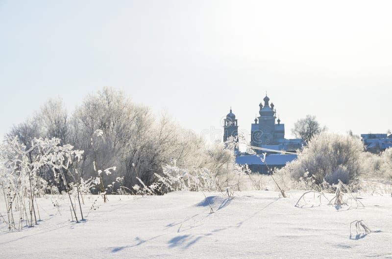Église de la Transfiguration Preobrazhenskaya, XVIIIe siècle à Turchasovo. Russie, région d'Arkhangelsk, district d'Onega photos libres de droits