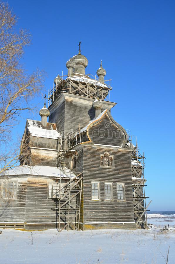 Église de la Transfiguration Preobrazhenskaya, XVIIIe siècle à Turchasovo. Russie, région d'Arkhangelsk, district d'Onega photo libre de droits