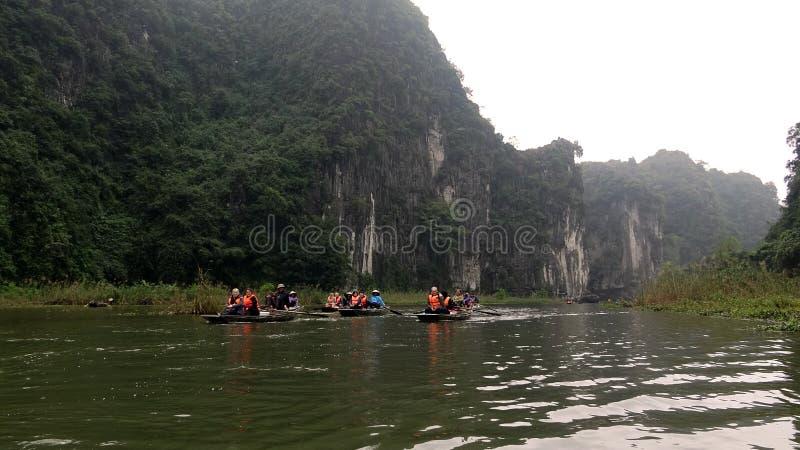 Glissements de petit bateau sur la rivière Green photographie stock