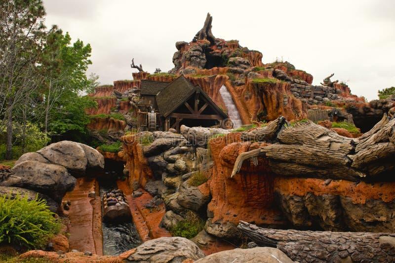 Glissière d'eau de parc d'attractions image libre de droits