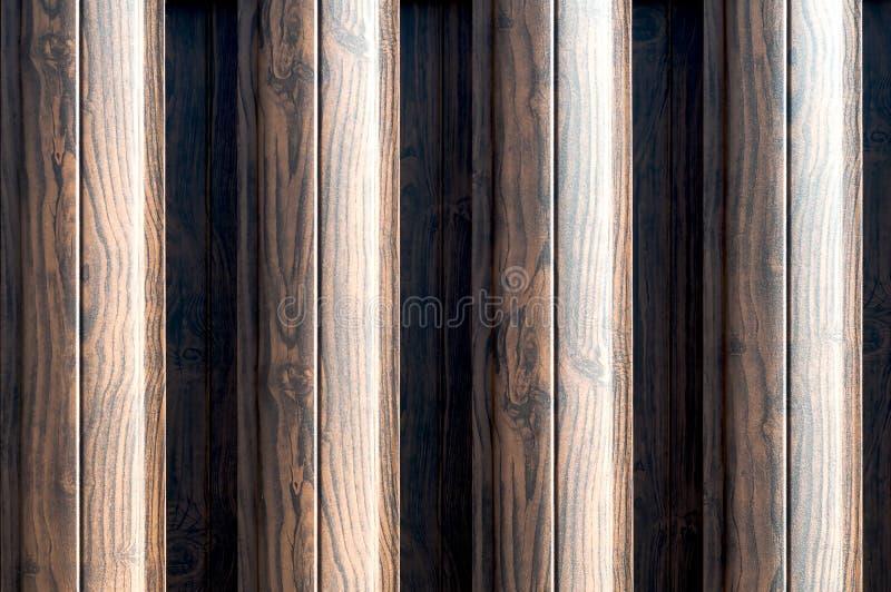 Glitter brown metal wall siding background Metaalconvexe textuur Lichtbruin gestript oppervlak Abstracte ribben achtergronden royalty-vrije stock foto