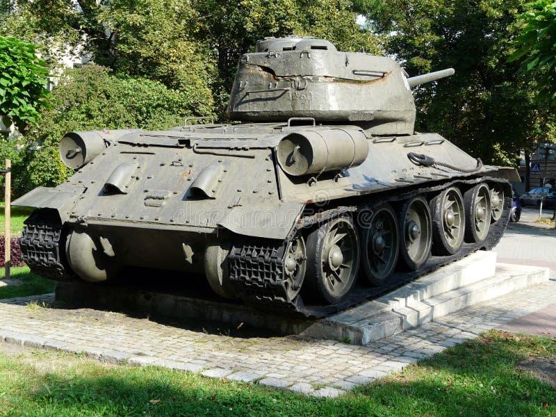 GLIWICE SILESIA, TURIST- DRAGNING F?R POLAND-TANK T-34-GLIWICES royaltyfri bild