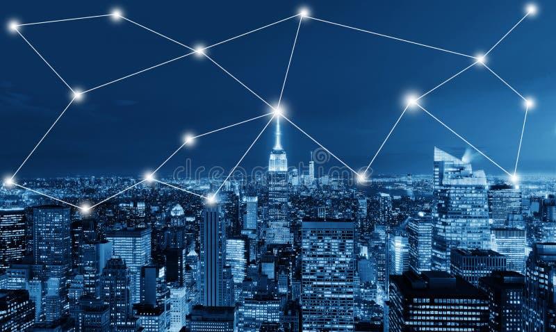 Globaal bedrijfs en netwerkverbindingsconcept in de Stad van New York stock fotografie
