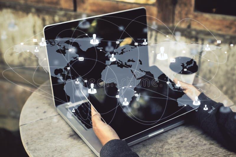 Globaal netwerk en communicatie concept royalty-vrije stock afbeeldingen
