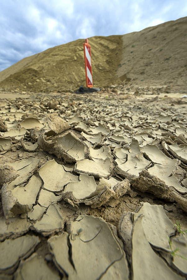 Global uppvärmning gör jorden att torka upp royaltyfri bild