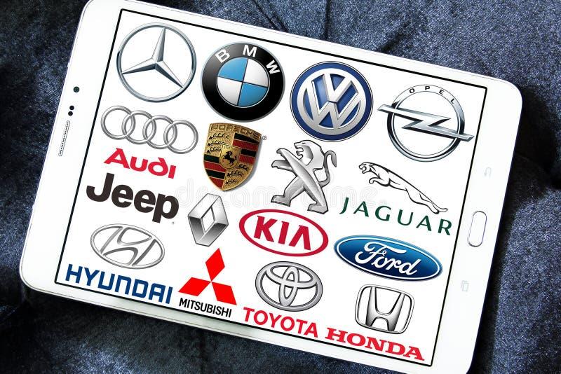 Globala bilmärken och logoer royaltyfri foto