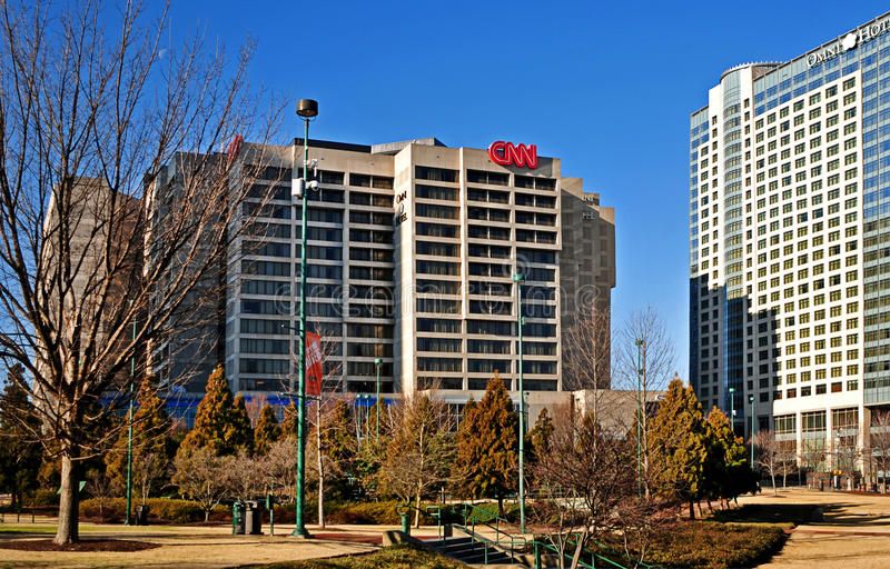 Globala högkvarter för CNN-mitt som bygger yttersida i Atlanta Georgia USA fotografering för bildbyråer