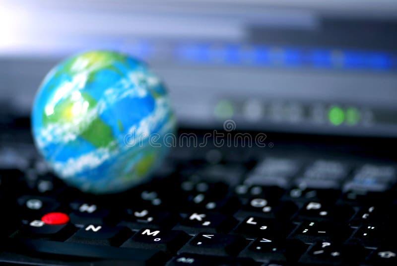 globala internet för affärsdator royaltyfri fotografi