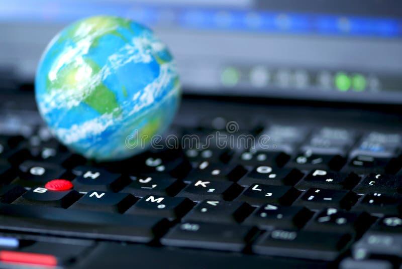 globala internet för affärsdator arkivfoton