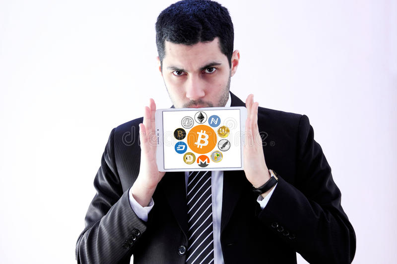 Globale cryptocurrencypictogrammen zoals bitcoin royalty-vrije stock foto