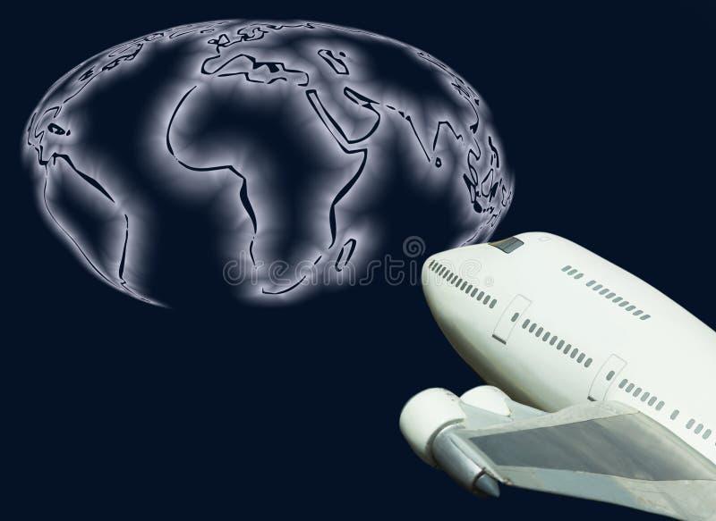 Globale Reisenstrahlenfluglinie und Weltkarte lizenzfreie stockfotografie