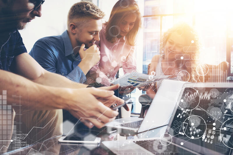 Globale Strategie-Verbindungs-Daten-virtuelle Ikonen-Innovations-Diagramm-Schnittstelle Geschäft Team Coworker World Sharing Econ lizenzfreies stockbild