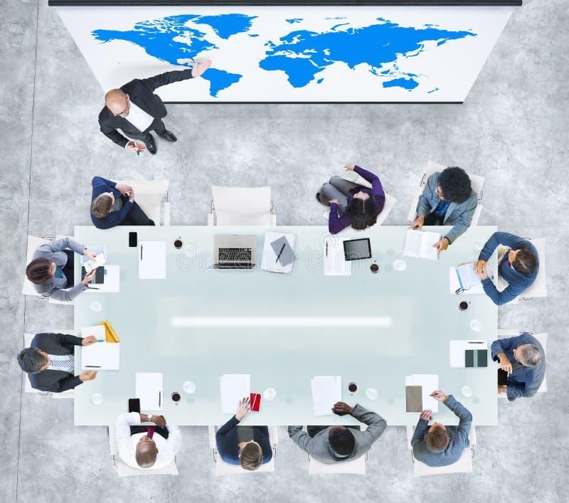 Globales Geschäfts-Darstellung in einem zeitgenössischen Büro lizenzfreie abbildung