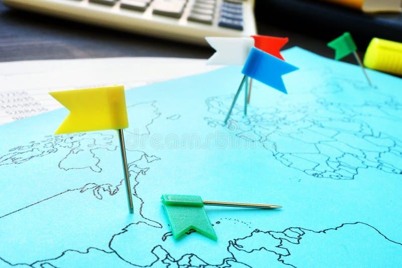 Globalisierung und globale Welt Internationales Geschäft lizenzfreie stockfotografie