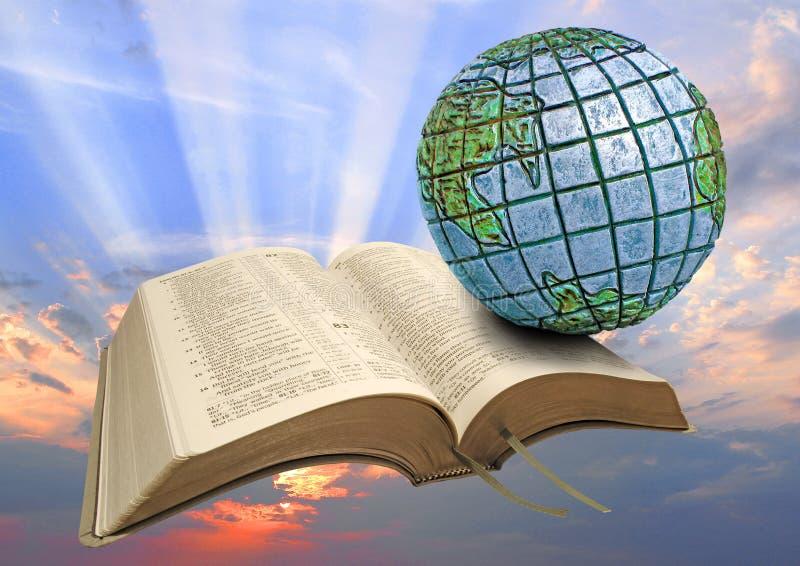 Globalny biblia wschód słońca fotografia royalty free