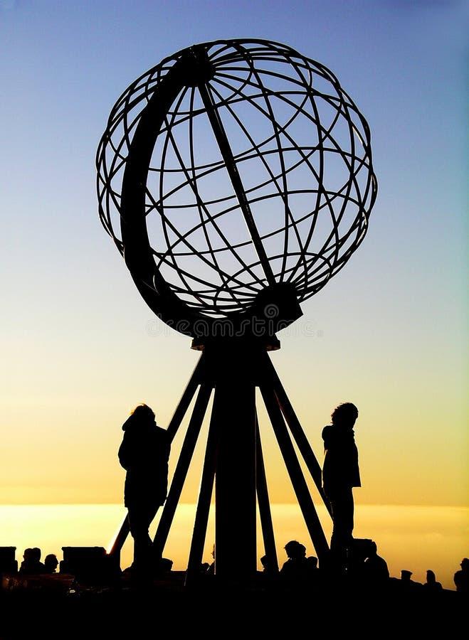 Globe chez le cap du nord/Nordkapp image stock