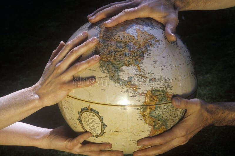 Globe de la terre - sauvez la terre images libres de droits