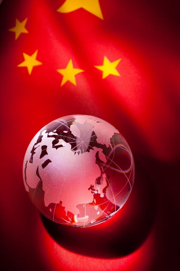 Globe et indicateur de la Chine images stock