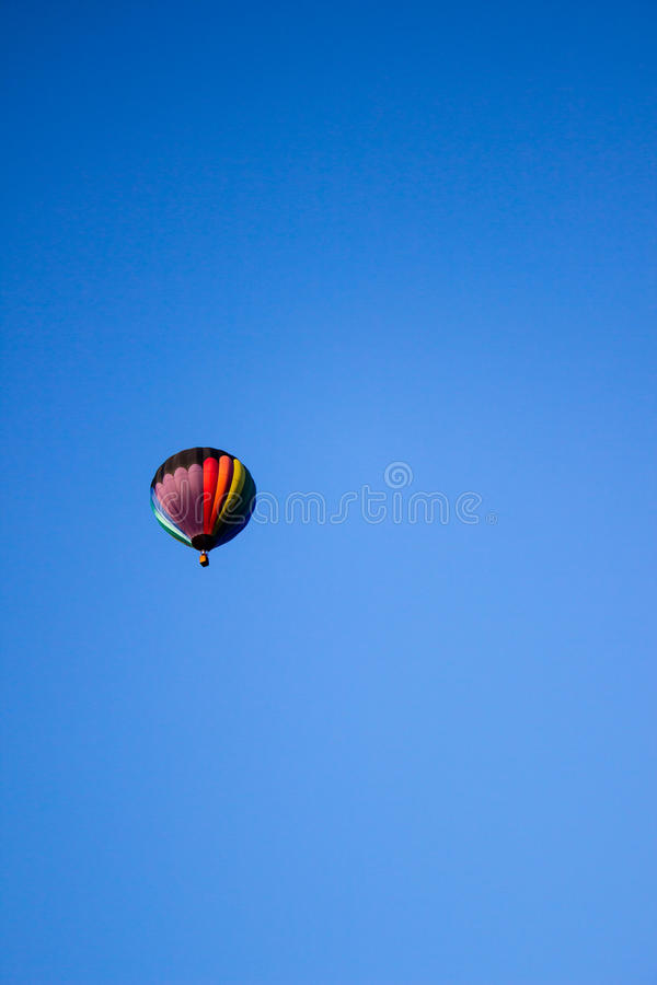 Globo colorido del aire caliente imagen de archivo