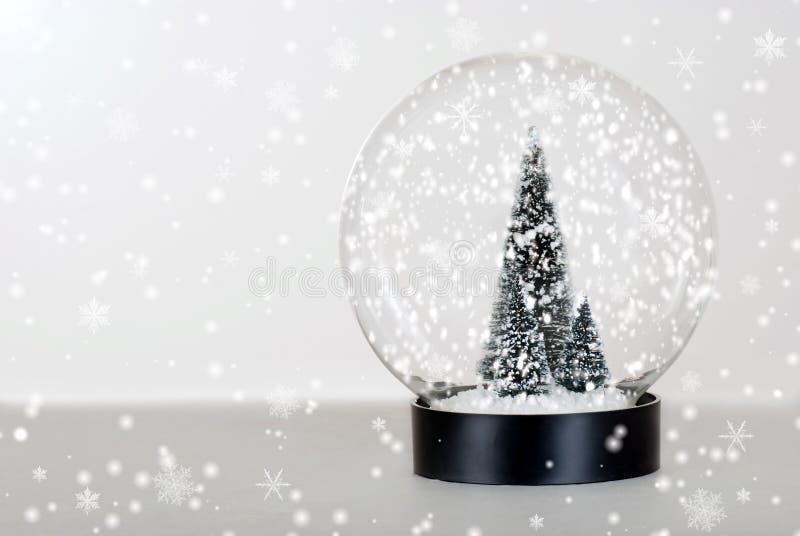 Globo da neve da árvore de Natal foto de stock