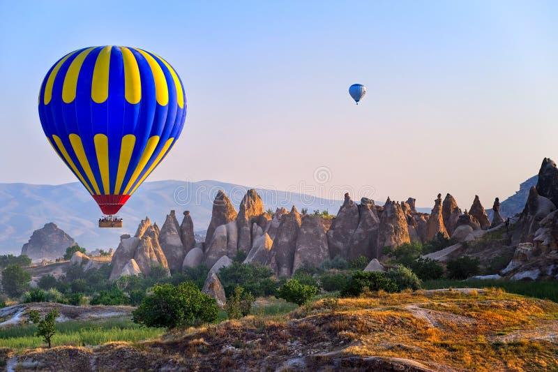 Globo del aire caliente de Cappadocia, Turquía fotos de archivo libres de regalías