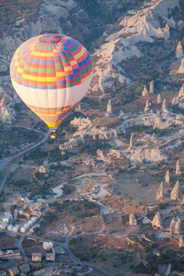Globo del aire caliente en Cappadocia fotografía de archivo libre de regalías