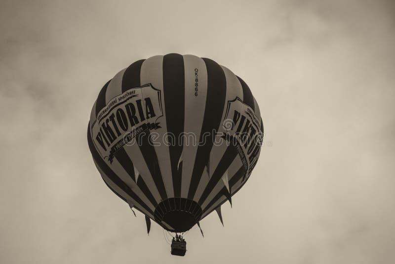 Globo del vuelo de la victoria fotos de archivo