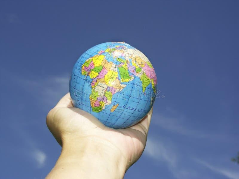 Download Globo della mano N immagine stock. Immagine di terra, umano - 204527
