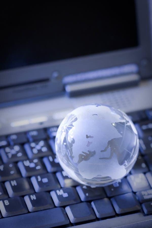 Globo no teclado foto de stock royalty free