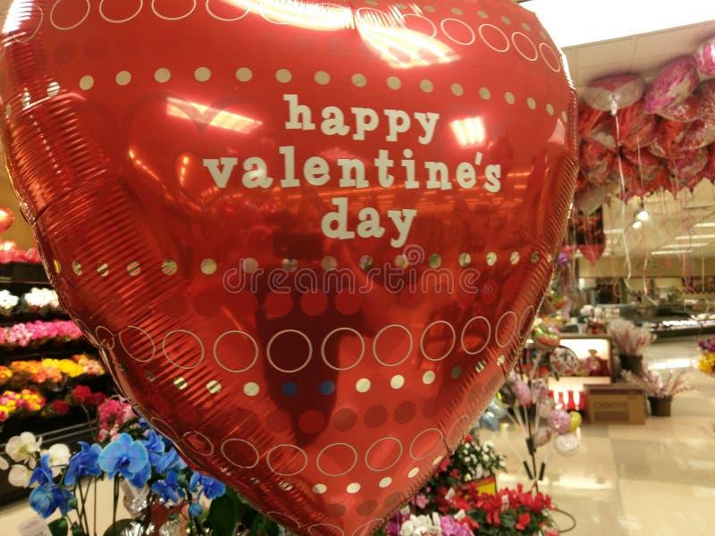 Globo rojo grande del día del ` s de la tarjeta del día de San Valentín imagenes de archivo