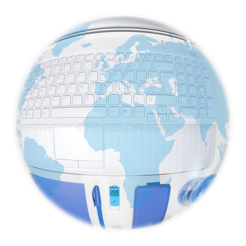 globo sobre un ordenador portátil y cosas azules a utilizar fotografía de archivo libre de regalías