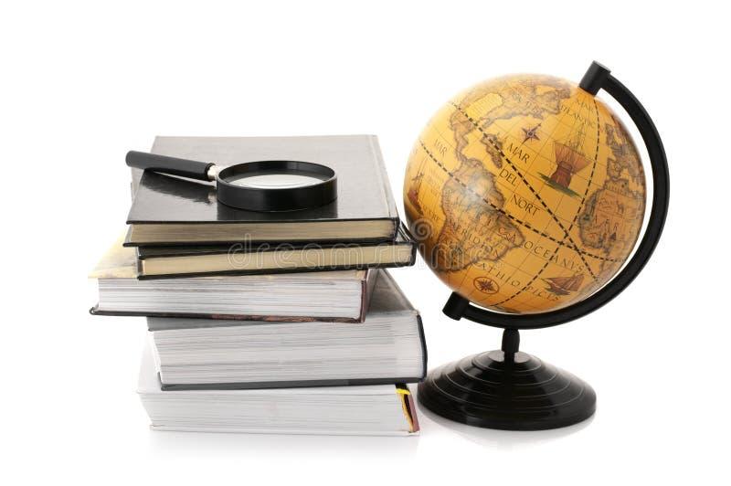 Globo y libros foto de archivo libre de regalías