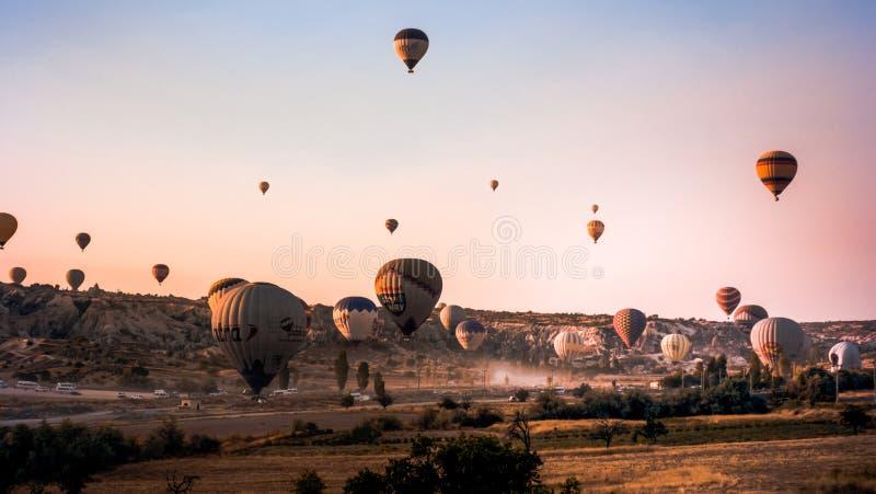 Globos de aire caliente de Cappadocia foto de archivo libre de regalías