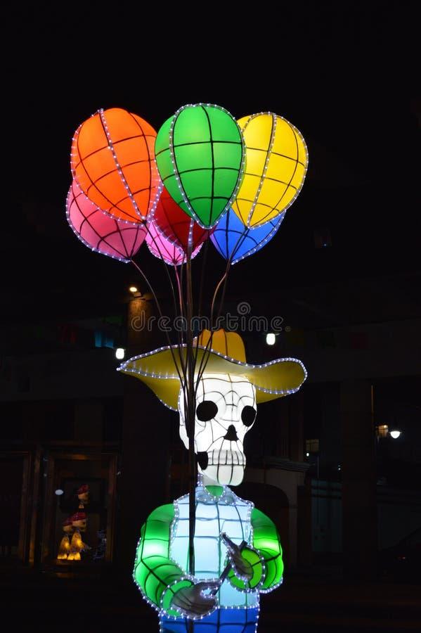 Globos del vendedor del cráneo imagen de archivo libre de regalías