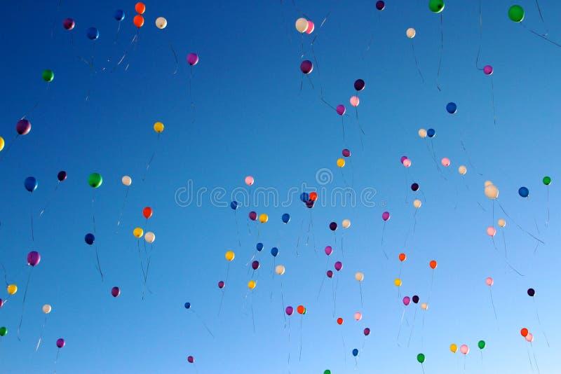 Globos en el cielo foto de archivo libre de regalías