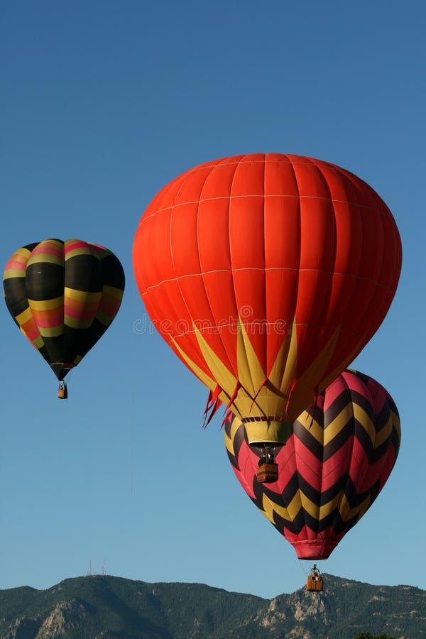 Globos en vuelo foto de archivo libre de regalías