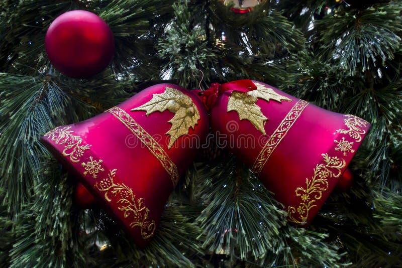 Download Glocken Des Neuen Jahres Hand Stockfoto - Bild von geschenke, glocken: 27734156