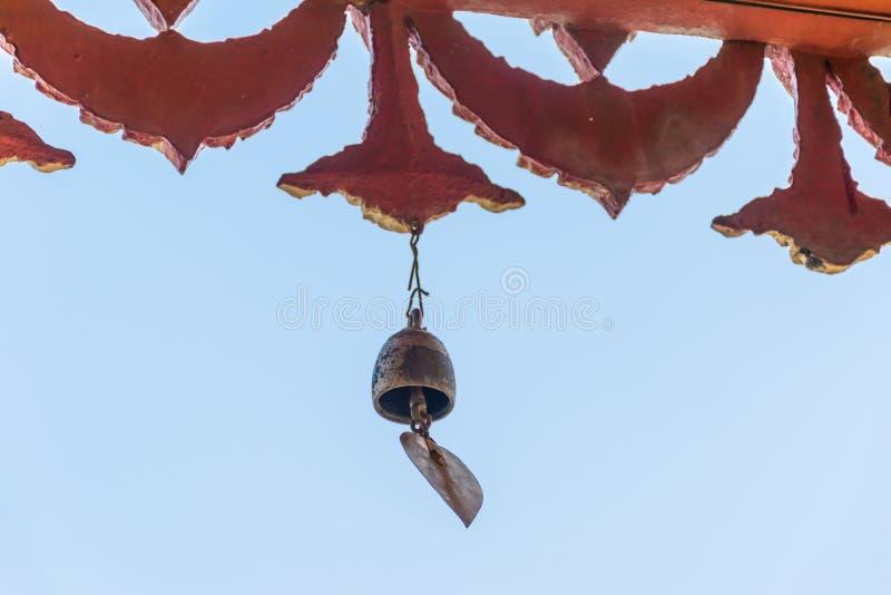 Glockenspeise, die im Tempel hängt stockfotografie