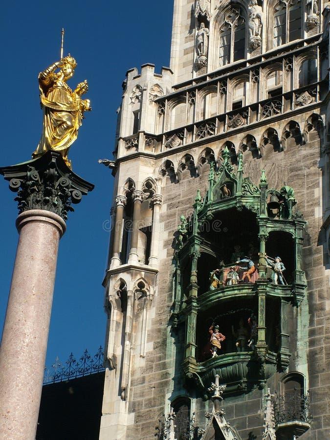 Glockenspiel, neues Rathaus, Marienplatz, München lizenzfreie stockfotografie