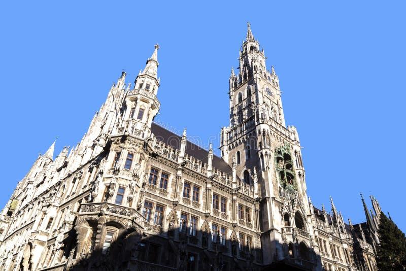 Glockenspiel på den Munich staden arkivfoton