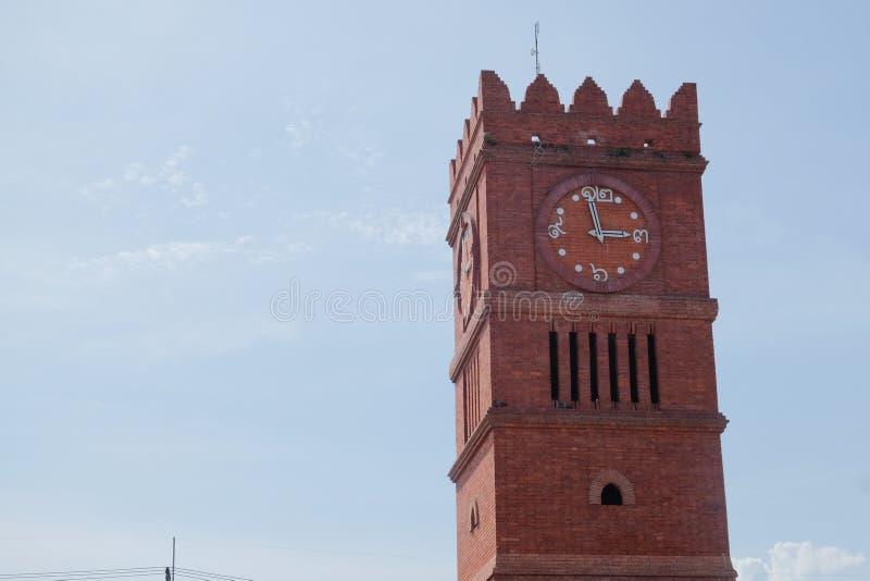 Glockenturm bei Kamphaeng Phet Thailand stockfotos