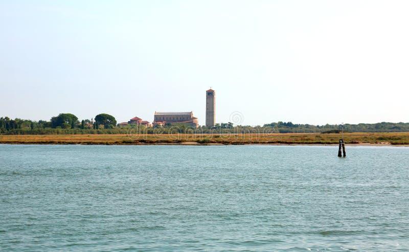 Glockenturm in der Insel von TORCELLO nahe Venedig stockfotografie