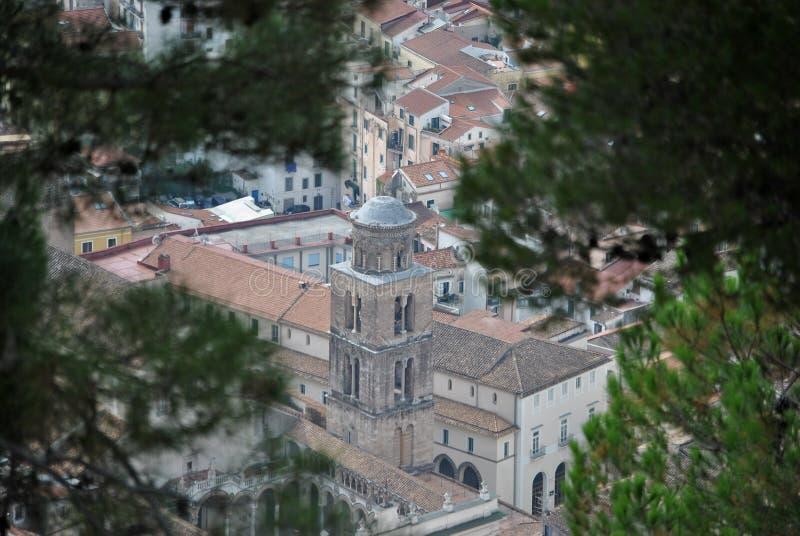 Glockenturm Salerno - der Kathedrale von San Matteo stockbilder