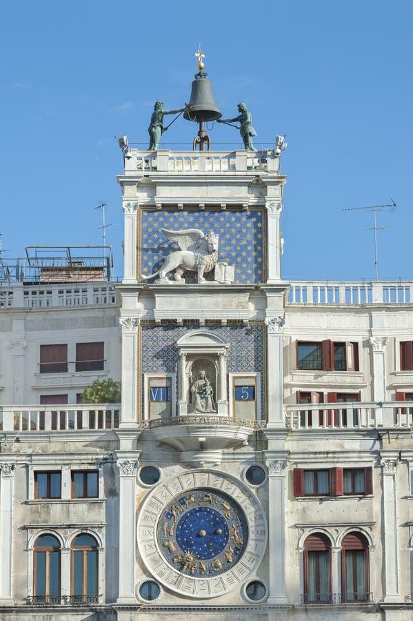 Glockenturm in Venedig, Italien stockfotos